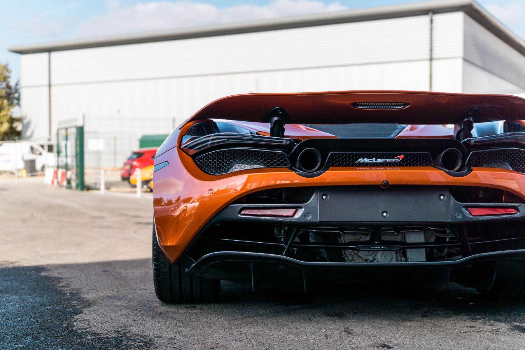 McLaren 720S V8 2dr SSG PERFORMANCE image 14